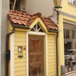 oldie door